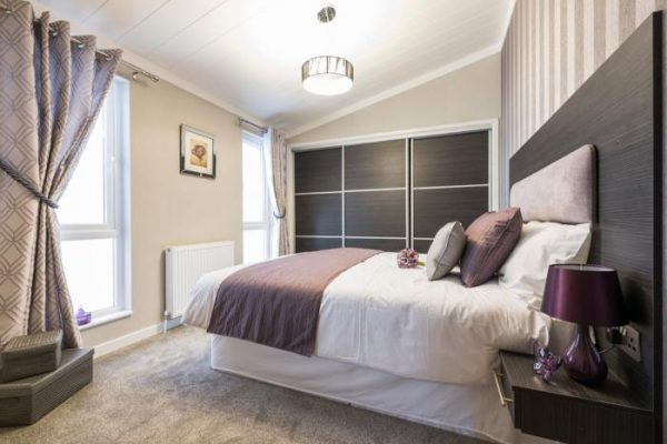 Willow Park Luxury Lodges Warwickshire park homes for sale